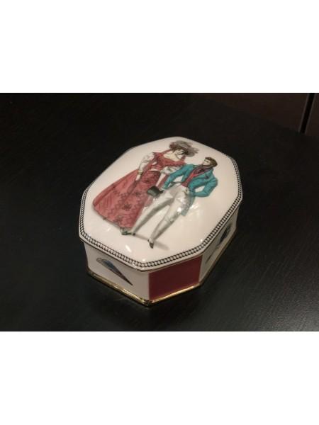 Шкатулка для украшений рис. Modes de Paris 1, форма Граненая